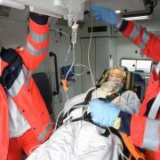 Bei einem Schlaganfall kommt es auf eine schnelle Erstversorgung an. (Foto)