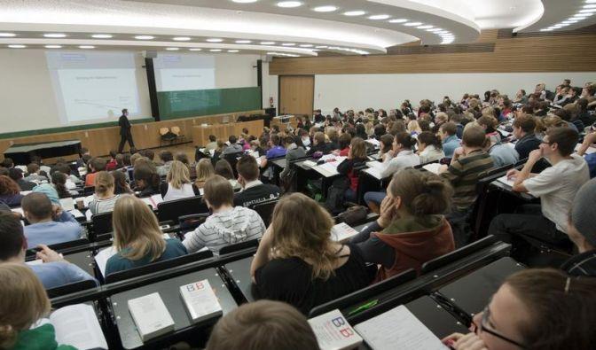 Bei Studienplatzklagen auf Antragsfristen achten (Foto)