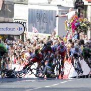 Massensturz überschattet Tour-Etappe (Foto)