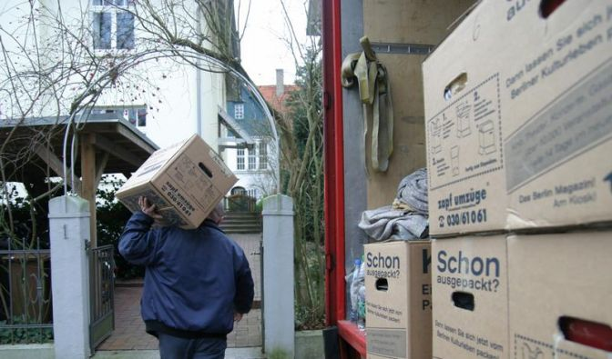 Bei Trennung auch Vermieter informieren (Foto)