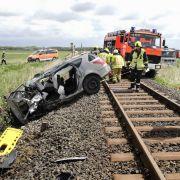 Tödlicher Unfall am Bahnübergang - Zwei Kinder können sich retten (Foto)
