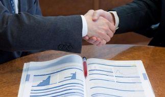 Bei Verträgen zu vermögenswirksamen Leistungen zahlen zwei ein: der Arbeitnehmer und Vater Staat. (Foto)