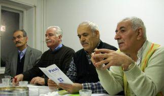 Bei ihren wöchentlichen Zusammenkünften reden die Mitglieder der türkischen Männergruppe Väteraufbru (Foto)