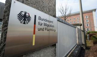 """Beim """"Bundesamt für Migration und Flüchtlinge"""" sind hunderttausende Asylverahren bislang unbearbeitet. (Foto)"""
