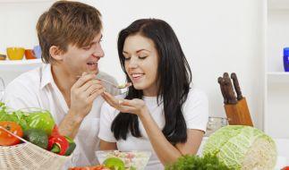Beim veganen Fasten stehen frisches Gemüse, Obst und Getreideprodukte auf dem Speiseplan. (Foto)