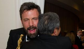 BenAffleck freute sich so über seinen Oscar, dass er Haare ließ. (Foto)