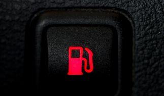 Benzin für 1,70 pro Liter? Die Politik will dagegen vorgehen. (Foto)