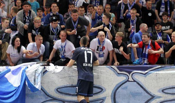 Berliner Drama: Hertha am Boden, Rehhagel vor Urlaub (Foto)