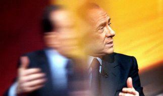 Berlusconi tritt ab - Seine Gegner feiern in Rom (Foto)