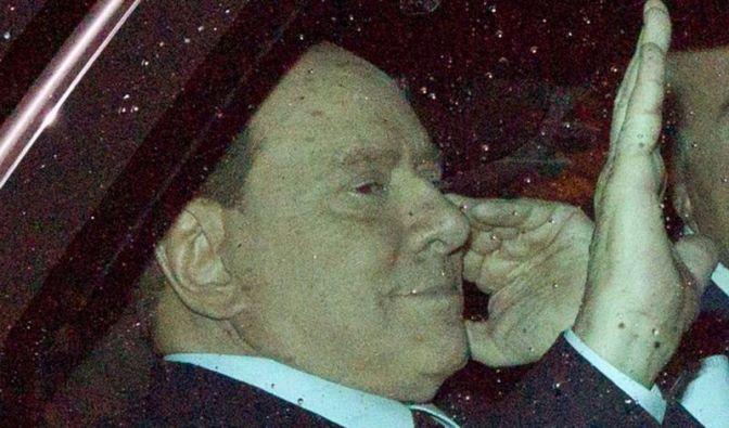 Berlusconi tritt zurück - aber erst später (Foto)
