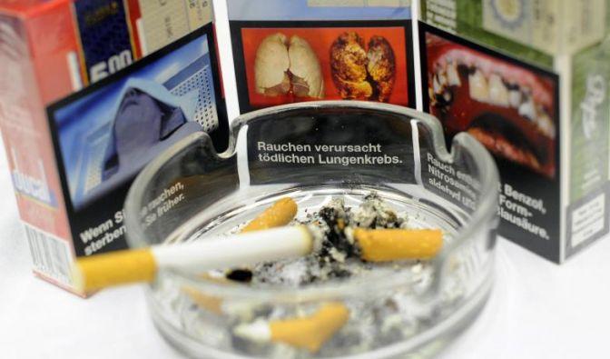 Beschlossene Sache: Ab Mai kommen die viel diskutierten Schockbilder, die eine abschreckende Wirkung haben sollen, auf die Verpackungen von Tabakerzeugnissen. (Foto)