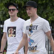 Beste Freunde im Nationalteam: André Schürrle und Marco Reus bei einem gemeinsamen Stadtbummel während der EM im polnischen Sopot.