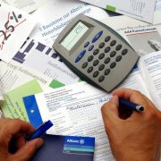 Bevor Sie sich für eine Haftpflichtversicherung entscheiden, sollten Sie wissen, welche Optionen ein Tarif einschließen soll.