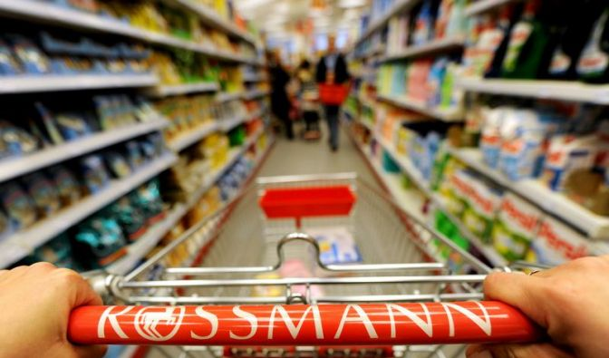 Bis zu 250.000 Euro mehr müsste Rossmann pro Jahr für den neuen Rundfunkbeitrag zahlen. (Foto)