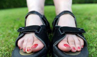 Bitte keine Trekking-Sandalen - Modetipps für den Sommer (Foto)