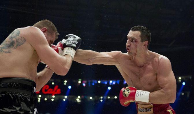 Blut, Schweiß - und im Fall von Mariusz Wach auch Tränen: Der Pole unterlag Wladimir Klitschko nach Punkten. (Foto)