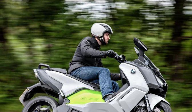 BMW präsentiert einsatzbereiten Elektroroller (Foto)