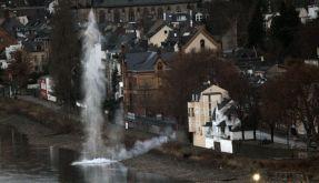 Bombenentschärfung im Rhein (Foto)