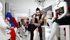 Botox, Schminke und Tattoos - Glööcklers Aussehen ist ein Gesamtkunstwerk. (Foto)