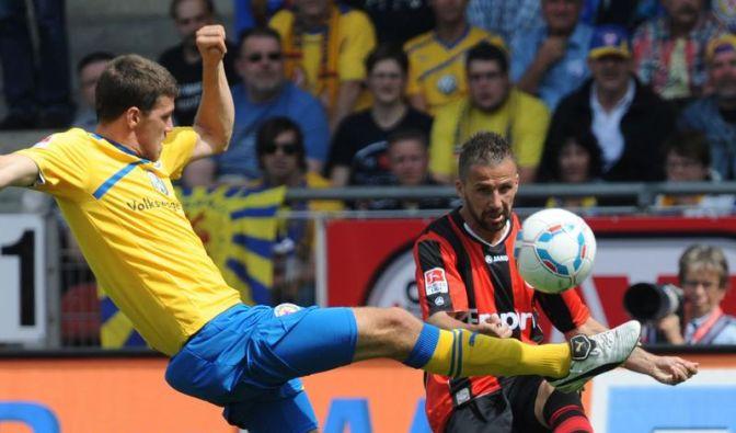 Braunschweig gestoppt: Frankfurt siegt klar 3:0 (Foto)