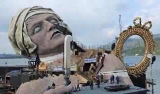 Bregenzer Festspiele und der Fischer vom Bodensee (Foto)