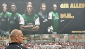 Bremens Trainer Thomas Schaaf befürchtet eine erneute Schlappe seiner Werder-Elf. (Foto)