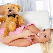 BÄR-fekter Orgasmus: Porno-Star testet Teddy-Vibrator (Foto)