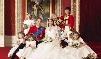 Buckingham Palace stellt Kates Hochzeitskleid aus (Foto)