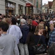 In der Leipziger Fußgängerzone herrscht angesichts des Besuches der Filmlegende Ausnahmezustand.