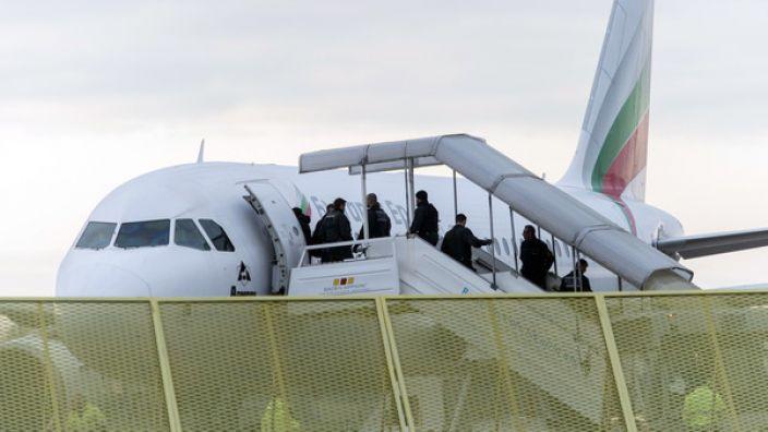 Bund und Länder haben 27 afghanische Flüchtlinge zurück nach Kabul gebracht - die größte Gruppe seit Langem. (Foto)