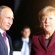 SO wird Putin Angela Merkels Wiederwahl verhindern (Foto)