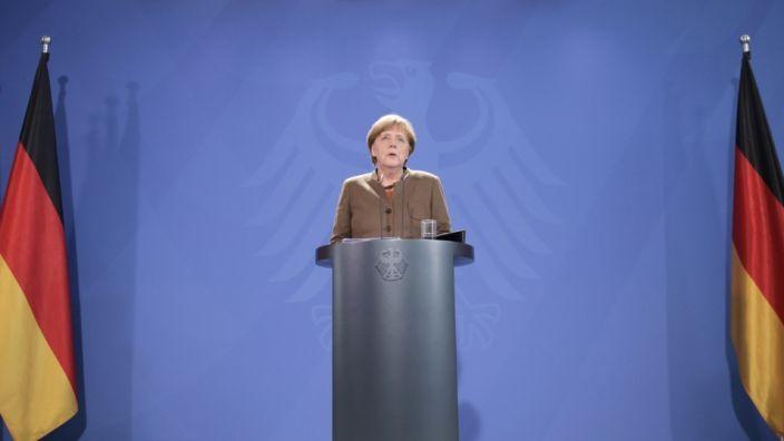 Bundeskanzlerin Angela Merkel nach den Terroranschlägen in Brüssel am 22. März im Bundeskanzleramt in Berlin. (Foto)
