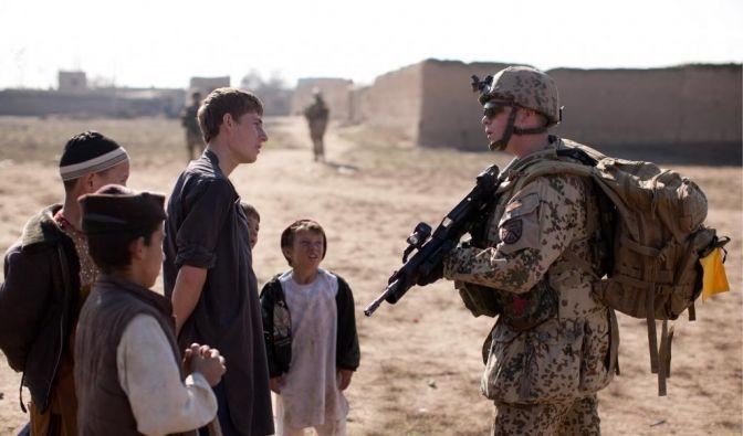 Bundestag berät über Afghanistaneinsatz (Foto)