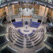 Bundestagsabgeordnete erhalten 215 Euro mehr (Foto)