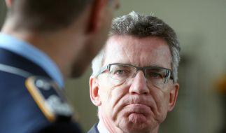 Bundesverteidigungsminister Thomas de Maizière (CDU) warb bei Günther Jauch für mehr Verständnis für deutsche Soldaten. (Foto)