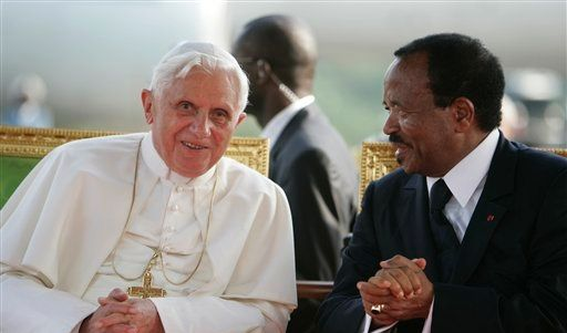 CAMEROON POPE (Foto)