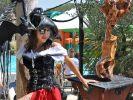 ... Carmen (neben dem passenden Outfit) auch über eine standesgemäße Yacht. Ihre Indigo Star ist schlappe 38 Meter lang. (Foto)