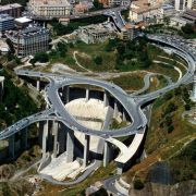 Catanzaro in Kalabrien: In die süditalienische Region sind fast 400 Millionen Euro für den Straßenbau geflossen - zu Unrecht.