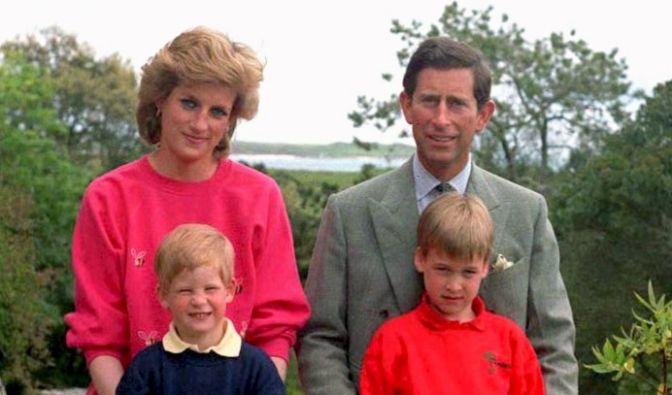 Charles und Diana mit ihren beiden Söhnen (Foto)