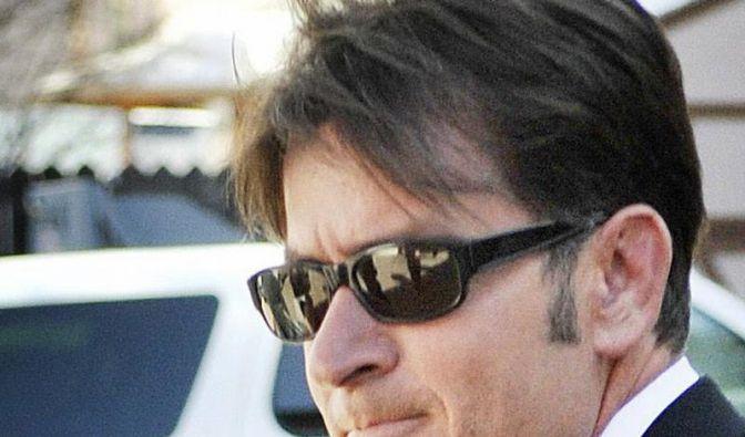 Charlie Sheen geht wieder in Serie (Foto)
