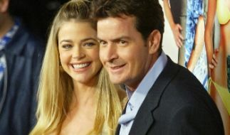 Charlie Sheen und Denise Richards (Foto)