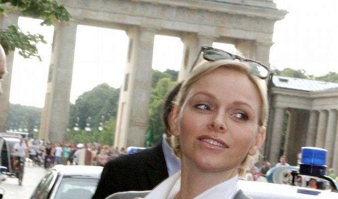 Charlène, die Fürstin von Monaco, vor dem Brandenburger Tor. (Foto)