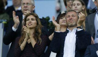 Chelsea-Eigner Roman Abramowitsch und seine schöne Freundin Daria. (Foto)