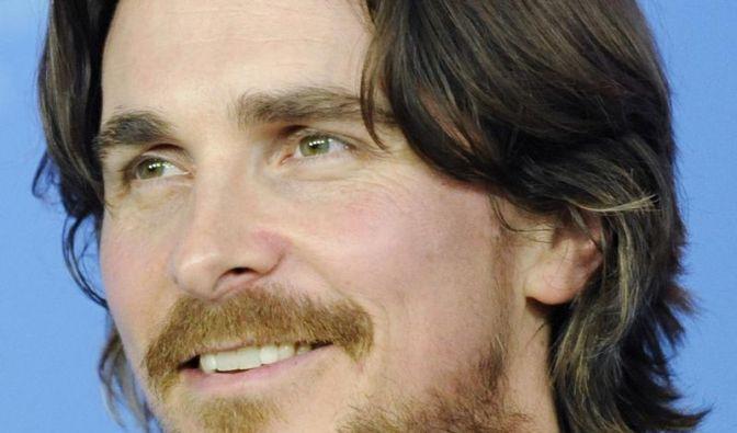 Christian Bale vermisst seinen Batman-Anzug (Foto)