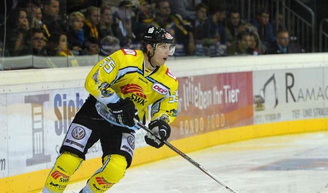 Christian Ehrhoff spielt ohne Vergütung für seinen alten Verein, die Krefeld Pinguine. (Foto)