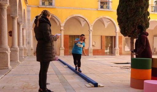 Christine Theiss drillt die Abspeck-Kandidaten. (Foto)