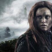 """Clarke (Eliza Taylor) wird von den Groundern """"Wanheda"""", Commander des Todes, genannt. (Foto)"""