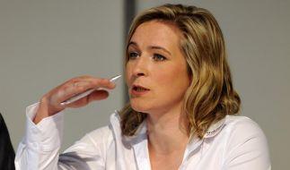 Claudia Pechstein wehrt sich gegen Dopingvorwürfe, die Experten hören kritisch zu. (Foto)