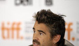 Colin Farrell flirtet erneut mit Model (Foto)