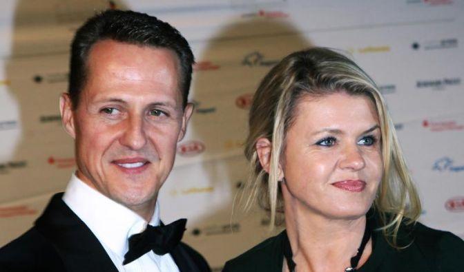 Corinna Schumacher ist ihrem Mann besonders in dieser schweren Zeit eine wichtige Stütze. Mit ihrer Hilfe soll Schumis zurück ins Leben finden. (Foto)